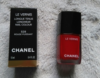 Vernis 528 CHANEL rouge puissant