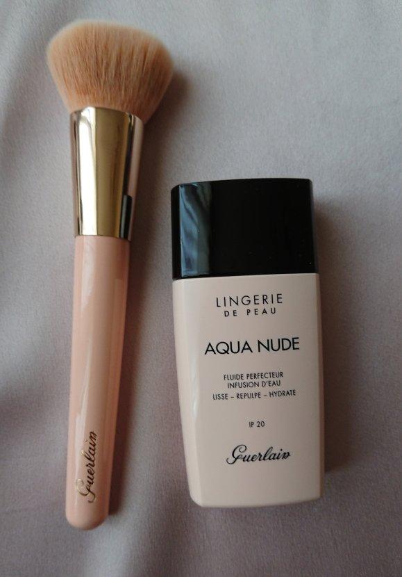 Aqua Nude Guerlain et le pinceau fond de teint Guerlain